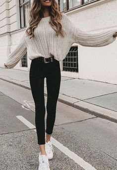 32 Charming Fall Street Style Outfits Inspiration to Make You Look Cool this Sea. - 32 Charming Fall Street Style Outfits Inspiration to Make You Look Cool this Season Source by tobieboleyad - Beige Pullover, Pullover Outfit, Beige Sweater, Cream Sweater, Knitted Jumper Outfit, Black Jumper Outfit, Beige Outfit, Ribbed Sweater, Thanksgiving Outfit