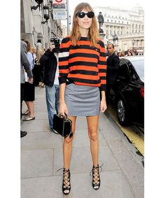 Alexa Chung wearing a striped knitted sweater, grey mini skirt, and strappy heels Street Style Trends, Looks Street Style, Looks Style, London Fashion Weeks, Fashion Mode, Look Fashion, Fashion Trends, Skirt Fashion, Womens Fashion