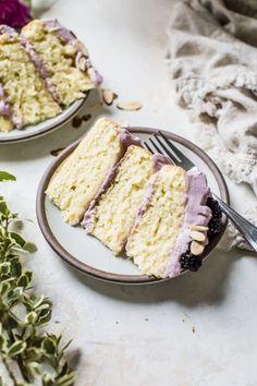 Lavender Almond Cake - Blackberries - Ideas of Blackberries - Blackberry Lavender Almond Cake Gourmet Recipes, Sweet Recipes, Baking Recipes, Cake Recipes, Dessert Recipes, Gourmet Cakes, Gourmet Foods, Recipes Dinner, Keto Recipes