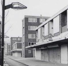 Pieter Calandlaan (vlak voor de sloop), hoek Johan Hofmanstraat Deel van een foto van de Beeldbank van het Stadsarchief, 10 januari 2002