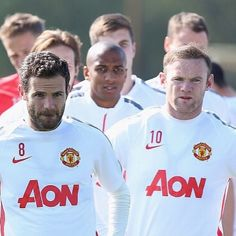 """Rooney: """"Another good weeks training complete ready for tomorrow. Focused. @youngy_18  @juanmatagarcia"""" 25.4.2015"""