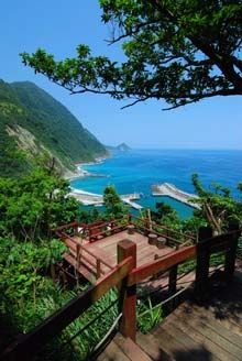 Kenting National Park, located at the south tip of the island, is a place to see the natural wonders of Taiwan.