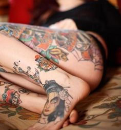 I'm SO into leg tattoos right now!