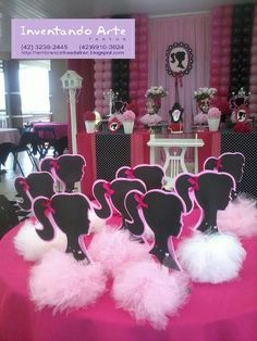 Festa Barbie Paris - Preta e Rosa Barbie Centerpieces, Barbie Party Decorations, Barbie Theme Party, Barbie Birthday Party, Paris Birthday Parties, Paris Party, Party Centerpieces, Birthday Decorations, Birthday Party Themes