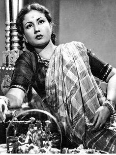 Bollywood Throwback : The forever young and beautiful Meena Kumari