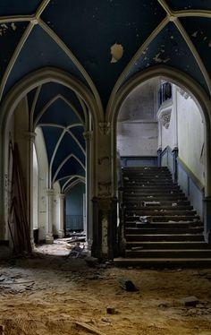 Grand Staircase; Château de Noisy (Miranda) © opacity.us