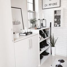 We also introduce recommended black and white items in 100 averages ☆ Room Decor, Shelves, Black And White, Bedroom, Interior, Kitchen, Table, House, Inspiration