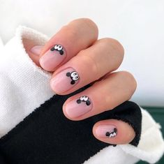 The Best Nail Art Designs – Your Beautiful Nails Nail Art Diy, Diy Nails, Cute Nails, Pretty Nails, Mickey Nails, Minnie Mouse Nails, Mickey Mouse Nail Art, Simple Nail Art Designs, Best Nail Art Designs