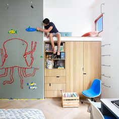 This week's roundup from Pinterest shows how children's rooms can be designed to encourage play. Examples include a room with territories for two brothers