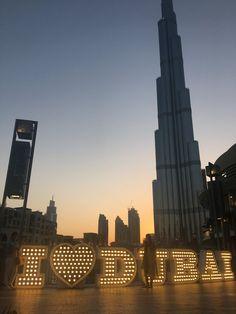 14 hours in Dubai with kids- for free. Abu Dhabi, Round The World Trip, Visit Dubai, Great British, Burj Khalifa, Willis Tower, City, Gold, Free