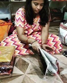 Sambalpuri Saree, Handloom Saree, Pure Silk Sarees, Cotton Saree, Ikat, Hand Weaving, Pure Products, Stuff To Buy, Dresses