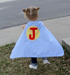 Have a super hero in your house??? Or maybe you need a quick and easy gift??? The Super Hero Cape is just the thing! *Update: A FREE multi-size pattern is now available. Get the Super Kid Cape here Perfect accessory to help your little one save the day Embellish with your favorite hero's logo or the 1st …