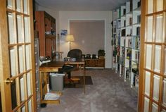 Susanna Kearsley's writing space! http://www.shereads.org/2013/07/a-room-of-her-own-the-writing-space-of-susanna-kearsley/