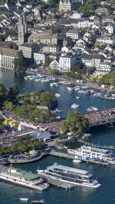 Zürcher Streetparade 2015  Need an exceptionally place to stay in Zurich Switzerland ? http://www.imsonnenbuehl.com/en/ Look up our Guest House and holiday home.