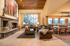 Spacious living in this beautiful, 2,934 SF townhome located in the heart of Vail, CO. #vailrealestate #vailproperties #vailliving