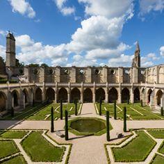 Abbaye de Royaumont - Le jardin du cloître