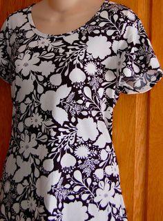 Womens LULAROE Classic Tee T Shirt Small FLORAL Black & White S/S Top Hi Lo Rare #LuLaRoe #BasicTee