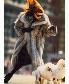 """ ""When It's Cold Outside…"", Vogue US, October 1985 Photographer : Eddy Kohli Model : Kristen McMenamy "" Cocktail Dresses Evening Wear, Vogue Us, Vintage Fur, Vintage Leather, Fur Fashion, Vogue Fashion, Mode Style, 80s Style, Dog Walking"