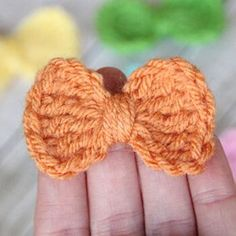 This crochet bow pattern is quick and easy. Whip one up in under 2 minutes, and it's sure to be a hit at that next baby shower.