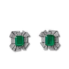 Shop gifts for women at Farfetch. From gifts for your mum, sister and girlfriend, we have everything you need for the perfect gift for her from bags to jewelry. Lotus Jewelry, Jewelry Box, Gifts For Women, Gifts For Her, Diamond Tops, Perfect Gift For Her, Olivia Palermo, Gigi Hadid, Victoria Beckham