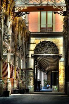 Passatge de Bacardí*, Barcelona (Beside Plaza Real) Photograph *architect Francesc Daniel Molina .
