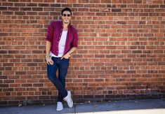 Mens White Sneakers - Wondering what to wear with white sneakers? Here are some business ideas AND casual ideas for wearing all white sneakers. November Horoscope, All White Sneakers, Men Style Tips, Jean Shirts, Check Shirt, Young Man, Mens Fashion, Fashion Tips, Jeans