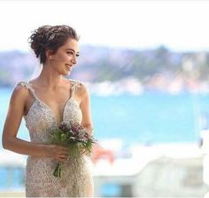 Turkish star actress is a sight in ❤ From her wedding to actor Bridal Makeup, Bridal Hair, Berta, Star Actress, Pnina Tornai, Frocks For Girls, Turkish Beauty, Bridal Crown, Brown Hair Shades