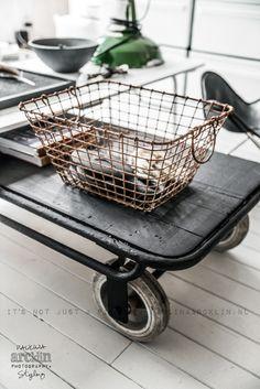 © Paulina Arcklin | Blog post Décoration industrielle, meubles et objets industriels, brocante