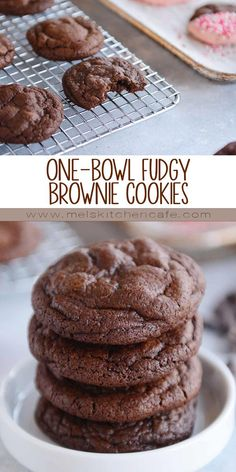 Ever wanted the chewy, fudgy gloriousness of brownies in cookie form? Look no further! These insanely delicious one-bowl brownie cookies are amazing and completely irresistible! Cookies recette One-Bowl Fudgy Brownie Cookies Easy Cookie Recipes, Brownie Recipes, Sweet Recipes, Simple Cookie Recipe, Cokies Recipes, Easy Homemade Cookies, Bake Sale Recipes, Cookie Recipes From Scratch, Brownie Ideas