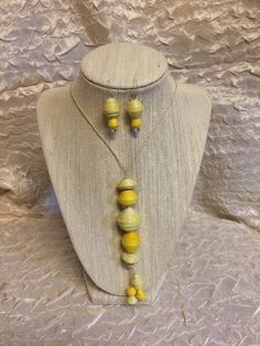 Shabby Chic Paper Bead Necklace & Earrings Set by ABBOCREATIONS on Etsy https://www.etsy.com/listing/224463848/shabby-chic-paper-bead-necklace-earrings