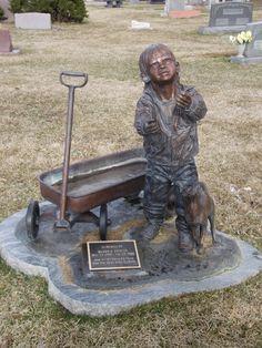 A beautiful statue in a Cheyenne Wyoming cemetery. Blake E Swayze 2000-2002…