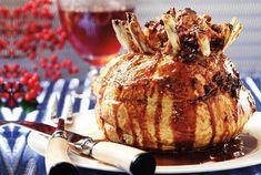 Κορόνα με βασιλική γέμιση και σάλτσα μήλου-featured_image Food Categories, Meat Recipes, Caramel Apples, Camembert Cheese, Pork, Thanksgiving, Bread, Dinner, Kitchens