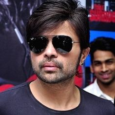 Himesh Reshammiya (Indian, Music Director) was born on 23-07-1973.  Get more info like birth place, age, birth sign, biography, family, relation & latest news etc.