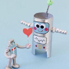 Es war Liebe auf den ersten Blick.  Und mit einem Mal hüpfte das Roboterherz von Kurt Klorolle vor Freude.