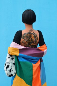 Patchwork #patchwork #tattooed #traditionaltattoo #suit #colorblock #bobhaircut #stylish Creative Pictures, Traditional Tattoo, Suit, Stylish, Bags, Fashion, Scrappy Quilts, Accessories, Food