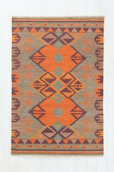 Woven Mirrored Arrow Kilim Rug #urbanoutfitters