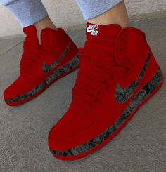 Red sneakers that I want Nike Red Sneakers, Cute Sneakers, Sneakers Mode, Sneakers Fashion, Shoes Sneakers, Air Jordan Sneakers, Fashion Outfits, Souliers Nike, Jordan Shoes Girls
