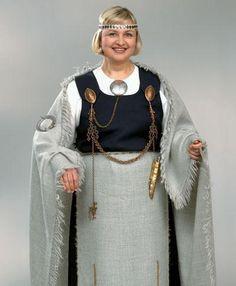 .Reconstructed dress Mikkeli Tuukala. Folk Costume, Costumes, Folklore, Finland, Vikings, Medieval, History, Live, Book