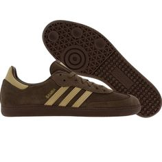 Adidas Samba (greble / tanble / metallic gold) G49430 - $64.99 Metallic Gold Shoes, Fred Perry Polo, Polo T Shirts, Adidas Samba, Sports Shoes, Shoe Box, Adidas Originals, Trainers, Adidas Sneakers