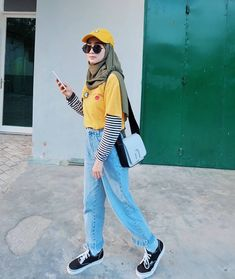 Casual hijab style ideas Source by hanifarufaidah ideas hijab Hijab Casual, Hijab Chic, Casual Outfits, Fashion Outfits, Ootd Hijab, Hijab Fashion Style, Casual Chic, Womens Fashion, Classy Outfits