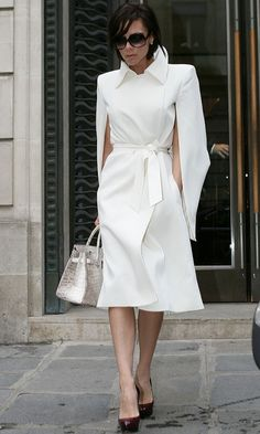 Victoria Beckham has done it all and her style says it all. David Und Victoria Beckham, Victoria Beckham Stil, Posh And Becks, Parka, Victoria Fashion, Victoria Style, Star Fashion, Womens Fashion, Mein Style