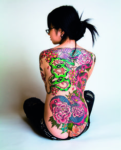 Neon colours The Art and Beauty of Japanese Tattoos photos) - My Modern Met Japanese Tattoo Art, Japanese Tattoo Designs, Tattoo Designs For Women, Asian Tattoos, Hot Tattoos, Body Art Tattoos, Flower Tattoos, Small Tattoos, Tattoos For Women Half Sleeve