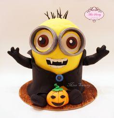 Minion x Halloween cake by @miss.sweety on instagram