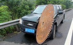 Giant Sawblade Cuts into Car - Neatorama