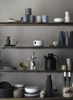 New Norm: Die dänischen Architekten Jonas und Kasper designen absolut pures Geschirr   kalinkakalinka
