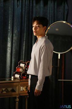 [여진구] 주말의 마무리는 '찬성'하기 : 네이버 포스트 Vampire Series, Monster Boy, Gu Family Books, Jin Goo, Sad Movies, Handsome Korean Actors, Big Bang Top, Child Actors, Comedy Films