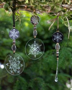 Engrave Glass Christmas Decorations with Dremel - C -- idea, could be done with shrink plastic