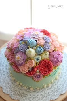 Buttercream flower cake by Jess Cake in Hampshire, IL.