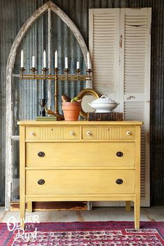 Details on how to get this colour, Grainy Dijon Mustard, with milk paint and glaze | Oliver and Rust