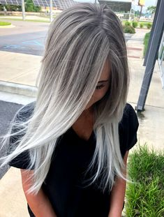 Silver blonde ombré made by me, I love blonde hair . … – Haar und Schonheit Silver blonde ombré made by me, I love blonde hair ! Silver Blonde Ombre, Ombre Blond, Silver Grey Hair, Platinum Blonde Hair, Ombre Hair Color, Silver Ash, Black Hair, White Hair, Silver Platinum Hair